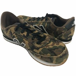 New Balance Camo Sneakers (W 6.5 / Y 5)